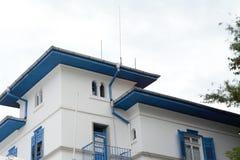 Ajardine de una casa en la ciudad de Sozopol en Bulgaria imagen de archivo