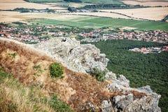 Ajardine do monte Zobor acima da cidade de Nitra Fotos de Stock Royalty Free