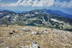 Ajardine do pico aos lagos Vlahini, montanha de Vihren de Pirin Imagem de Stock Royalty Free