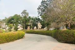 Ajardine el diseño en millón de años de parque de piedra en Pattaya, Tailandia Foto de archivo libre de regalías