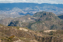 Ajardine em torno da cachoeira da água do EL de Hierve, Oaxaca Foto de Stock Royalty Free