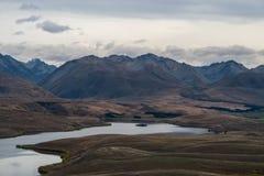 Ajardine em torno da montagem John Observatory perto do lago Tekapo, Nova Zelândia Fotos de Stock Royalty Free