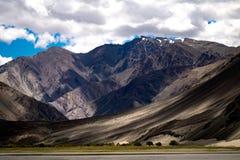 Ajardine em torno do distrito de Leh em Ladakh, Índia Foto de Stock