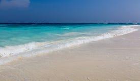 Ajardine em um Sandy Beach a ilha em Tailândia Fotos de Stock