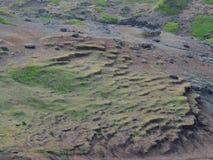 Ajardine a formação geological do fluxo de lava da fuga de caminhada na costa noroeste em Maui Havaí Foto de Stock