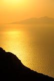 Ajardine a ideia do nascer do sol colorido bonito acima do oceano isl Imagem de Stock
