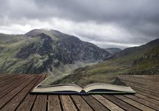 Ajardine a ideia do pico de Glyder Fawr em Snowdonia de incompletamente acima Imagem de Stock