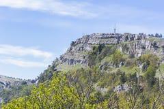 Ajardine a ideia do platô da montanha da montagem Ai-Petri Imagem de Stock Royalty Free