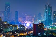 Ajardine a ideia do residencial e do distrito financeiro em Bangk Foto de Stock Royalty Free