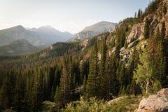 Ajardine a imagem das montanhas em Rocky Mountain National Park, Colorado Fotografia de Stock Royalty Free