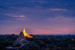 Ajardine a imagem do pagode antigo no nascer do sol em Bagan fotos de stock royalty free