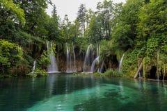 Ajardine a imagem do parque nacional dos lagos Plitvice Imagem de Stock