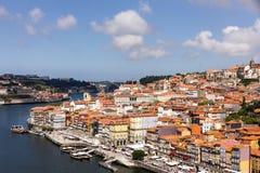 Ajardine la forma de Portugal de la ciudad de Oporto de la visión el puente Luiz I Fotografía de archivo libre de regalías