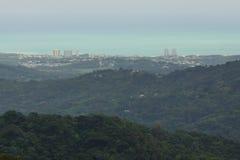 Ajardine la imagen de Puerto Rico tomada de Britton Tower en la selva tropical nacional del EL Yunque, Puerto Rico, Estados Unido fotos de archivo