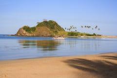 Ajardine la playa de Nacpan La isla de Palawan Imagen de archivo libre de regalías
