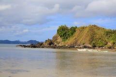 Ajardine la playa de Nacpan La isla de Palawan Foto de archivo