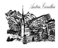 Ajardine la vista de la iglesia y del pueblo alpino en las montañas en Carinthia, Austria, bosquejo, ejemplo Imagen de archivo