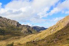 Ajardine montanhas no parque nacional de Itatiaia, Rio de janeiro imagem de stock