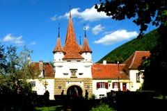 Ajardine na cidade velha Brasov (Kronstadt), em Transilvania Fotografia de Stock Royalty Free