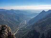 Ajardine nas montanhas de Catalonia perto de Monserrate, Espanha Imagens de Stock Royalty Free