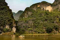 Ajardine no coc do tam, baía seca do halong em Vietnam Imagem de Stock Royalty Free