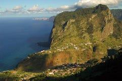 Ajardine no console de Madeira Fotos de Stock Royalty Free
