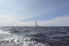 Ajardine no mar de adriático com navios de navigação Fotos de Stock