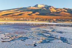 Ajardine no nascer do sol na vila de Coqueza, plano de sal de Uyuni, Bolívia Fotografia de Stock