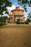 Ajardine no parque de Monseraty com casa bonita, Cintra, Portug Imagem de Stock