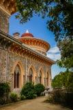 Ajardine no parque de Monseraty com casa bonita, Cintra, Portug Fotos de Stock