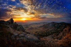 Ajardine no por do sol/nascer do sol - Dobrogea, Romênia Foto de Stock
