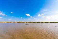 Ajardine no rio de Irravarddy, Mandalay, Myanmar, Burma Copie o espaço para o texto Imagens de Stock