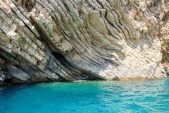 Ajardine o detalhe de penhascos do oceano de Paleokastritsa, Corfu Imagem de Stock Royalty Free