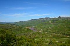 Ajardine o lago estéril de Geamana no APU Imagens de Stock Royalty Free
