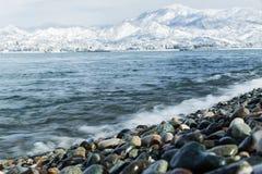 Ajardine o Mar Negro em montanhas da neve do fundo de Georgia Batumi Caucasus Fotos de Stock