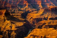Ajardine a opinião do detalhe do Grand Canyon e do Rio Colorado, EUA Foto de Stock