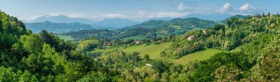 Ajardine Urbino, a cidade e o local de cerco do patrimônio mundial na região de Marche de Itália Imagens de Stock