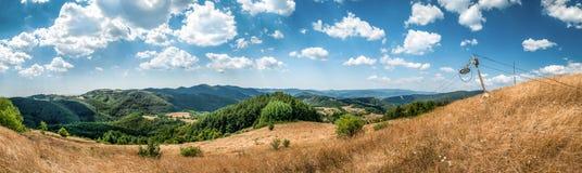 Ajardine, veja de Baniste para Stiavnicke vrchy com um ol Fotos de Stock Royalty Free
