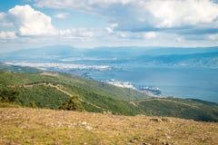 Ajardine a vista ao mar de Marmara e de Derice em Turquia Imagem de Stock