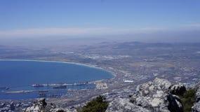 Ajardine, vista da baía e Cape Town da montanha Fotos de Stock Royalty Free