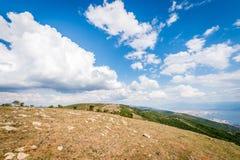 Ajardine a vista das montanhas ao mar de Marmara Fotografia de Stock Royalty Free