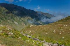 Ajardine a vista de montanhas de Kackar em Rize, Turquia Imagens de Stock Royalty Free