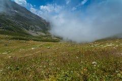 Ajardine a vista de montanhas de Kackar em Rize, Turquia Foto de Stock Royalty Free
