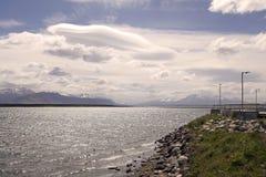 Ajardine a vista de Puerto Natales no Patagonia, o Chile Foto de Stock