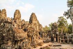Ajardine a vista dos templos em Angkor Wat, Siem Reap, Camboja Imagens de Stock Royalty Free
