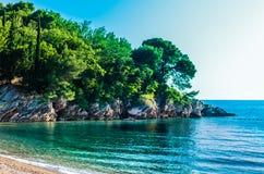 Ajardine a vista no mar e na montanha em Montenegro Fotografia de Stock Royalty Free