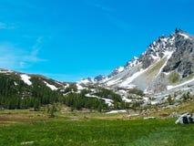 ajardine a vista nos ângulos espetaculares do cume de Devero na Imagem de Stock