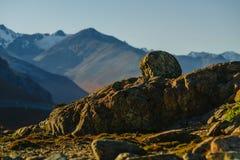 Ajardine a vista tomada durante uma caminhada no parque nacional do Los Glaciares do parque outono no Patagonia, lado de Argentin Foto de Stock