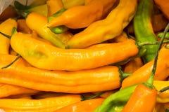 Aji amarillo, gele Spaanse peperpeper van Zuid-Amerika, Arequipa, Peru De natuurlijke markt ziet eruit royalty-vrije stock afbeeldingen