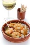 Ajillo d'Al de vétivers, crevettes roses d'ail, tapas espagnols photographie stock libre de droits